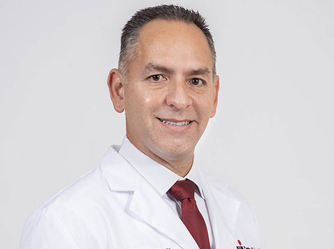 Director del Centro de Cirugía Avanzada & Director de Cirugía General y Robótica Board Certified Diplomado de la American Board of Surgery